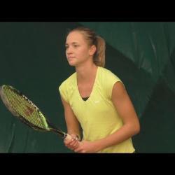 Embedded thumbnail for Az ifjú csömöri tenisztehetség, Jánosi Luca halmozza a trófeákat